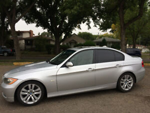 """2006 BMW 325I PREMIUM, TWO SETS OF WINTER AND SUMMER 17"""" MAGS"""