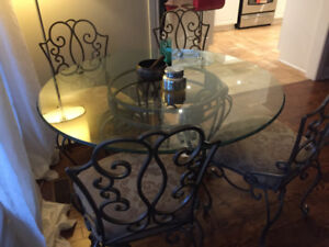 Round glass Table @ chairs
