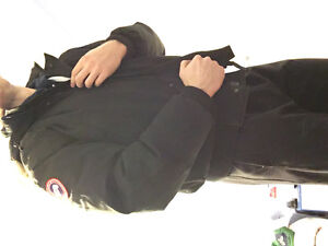 Canada Goose jacket/bomber (authentic) | Colour: black size L