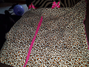 Brand new cheetah carseat canopy great for all seasons