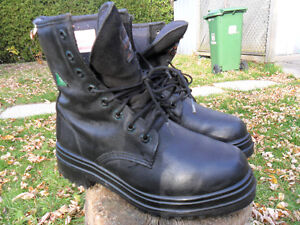 MEN'S WORK BOOTS SIZE 9.5