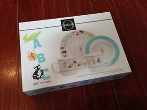 Oneida Baby/Toddler Plate and Cup Set