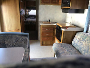 1997 Ford Motor Home (7.3 Power stroke diesel engine) Class C