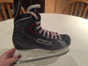 Men's BAUER hockey skates size 8 Windsor Region Ontario image 1