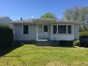 Newly Renovated 2+1 Bedroom Bungalow in Great Neighborhood