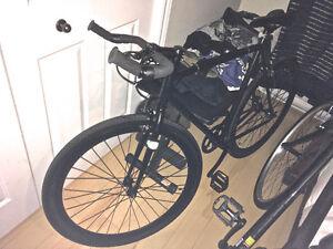 300$ Vélo fix noir mat (single speed)