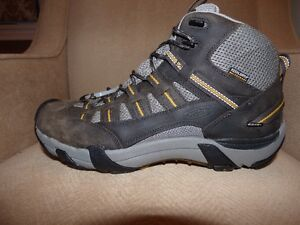 Keen Alamosa Hiking Boots - New - Leather - Waterproof - Sz 11.5