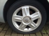 RENAULT CLIO 172/182 SPORT ALLOY WHEELS X 3 WITH TYRES 195/50/R15 WITH CENTRE CAPS MODIFIED SALVAGE