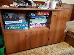 Sideboard / hutch / buffet