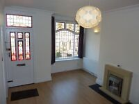 2 bed house in Woodside Avenue, Burley LS4 2QX. Lovely home with great features available NOW