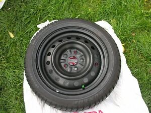 (4) 205/55R16 Dunlop Sport winter tires and rims 5x114,3