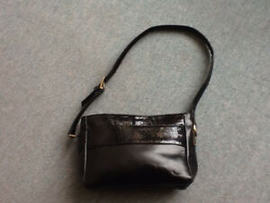SAS black leather purse