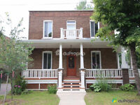 BEAUTIFUL FULLY DETACHED 2-STOREY HOME