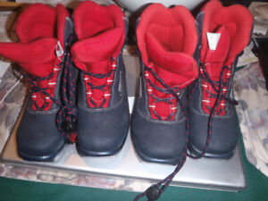 childrens cross country ski boots