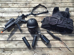 Tipmann X7 Phenom MP5 SWAT paintball bundle