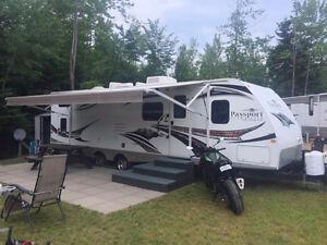 terrain avec roulotte camping Lac-George clé en main