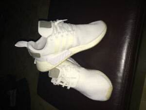 WHITE ADIDAS NMD R2 FOR SALE! SIZE 11