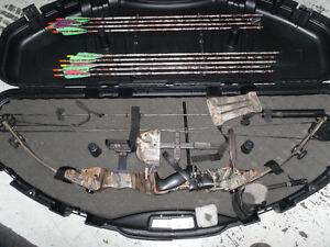 arc de chasse avec fleches porte fleche déclencheur protecteur d