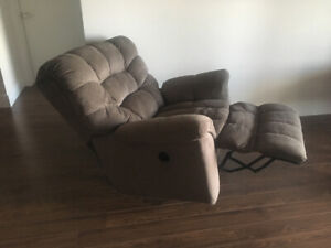 Electric recliner in great condition