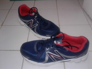 (NEW BALANCE) SZ 14-SNEAKERS (BLUE W WHT)-WORN ONLY 2X-(ONLY$40)