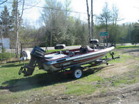 Stratos 254 Bass Boat