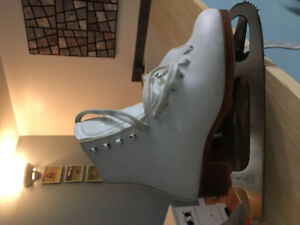 Girls Figure Skates by Dominion