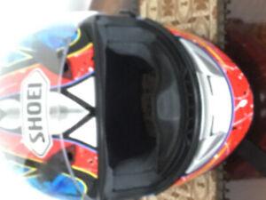 Casques de moto à vendre