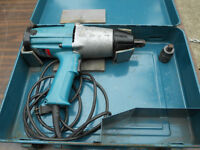 Makita 3/4 inch Impact Wrench with Case