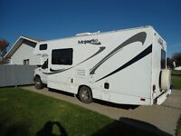 WEEKEND SPECIAL - 2006 MAJESTIC 23A MOTORHOME/2005 FORD F350