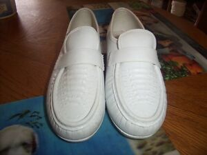womens size 10 slip ons