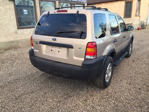 2007 FORD ESCAPE FULLY LOADED...4X4 ...VERY CLEAN Edmonton Edmonton Area image 6