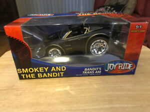 Smokey & The Bandit 1:24 Scale Diecast Car