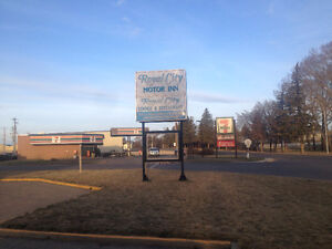 motel room for rent by month in Brooks,Alberta