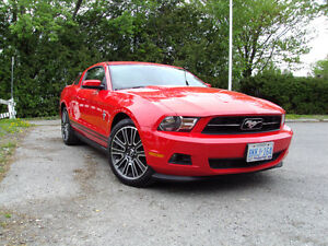 2011 Ford Mustang Pony package Coupe (2 door)