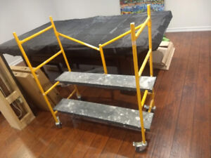 *BEST OFFER* 4'x4' Small Taping & Dry Walling Scaffold
