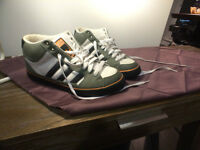 Size 9.5 ADIDAS skate shoes. 9.5/10 condition. $25 bargain