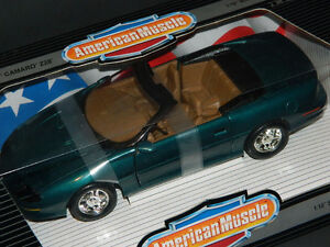 Ertl 1/18 Scale 1996 Camaro Z28 Convertible Diecast Car Green