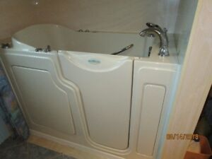 Bain thérapeutique Safe Step Walk-in Tub