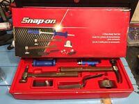 Snap on body tool set