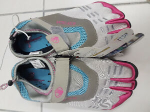 Body Glove Barefoot Beach Pool Women Shoes Brand new size 8 M