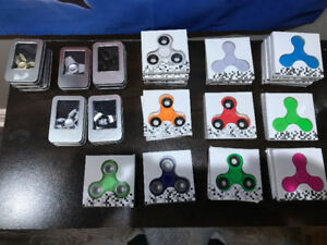 FIDGET SPINNER CLEARANCE ALL MUST GO 200 FOR ALL OF THEM
