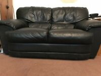 2 SEATER BLACK LEATHER SOFA - EXCELLENT CONDITION