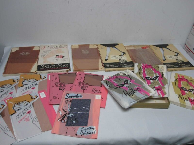 19 PAIRS VINTAGE WOMENS SEAMLESS STOCKINGS SZ 8 1/2 & 10 ~ MINT NOT USED