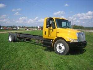 2008 INTERNATIONAL S/A CAB AND CHASSIS TRUCK