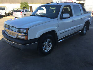 2005 Chevrolet Avalanche LT-Z71, Leather, DVD, Clean 4x4