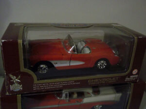 1957 CORVETTE CONVERTIBLE 1:18 SCALE DIECAST RED IN COLOR