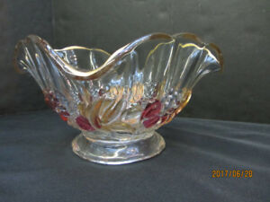 VINTAGE 1940s GLASS FRUIT BOWL