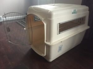 "Pet Mate Vari-Kennel Ultra 40"" x 27"" x 30"" Pet Carrier"