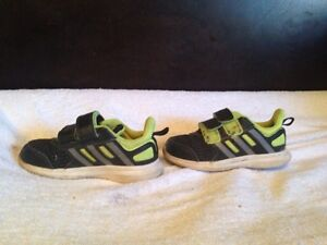Adidas hyper fast shoes toddler size 8 Peterborough Peterborough Area image 2