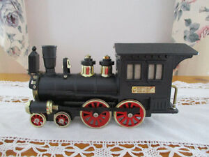 AM Radio - Vintage Steam Engine